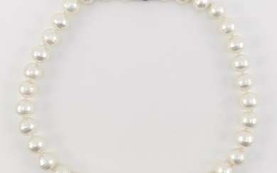 WHITE GOLD, CULTURED PEARL AND DIAMOND NECKLACE