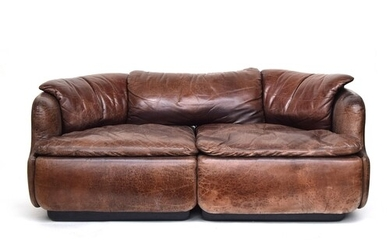 A contemporary Italian brown leather sofa by Saporiti, appro...