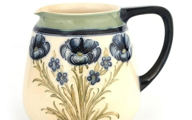 AN EARLY MACINTYRE BURSLEM LARGE JUG WITH ROUNDED