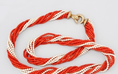CORAL AND CULTURED PEARL NECKLACE WITH DIAMOND AND GOLD CLASP