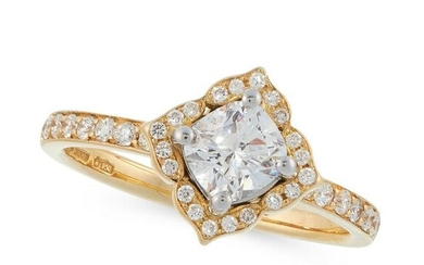 A SOLITAIRE DIAMOND ENGAGEMENT RING in 18ct yellow