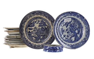 A COLLECTION OF 19TH CENTURY ENGLISH BLUE & WHITE DINNER WARE