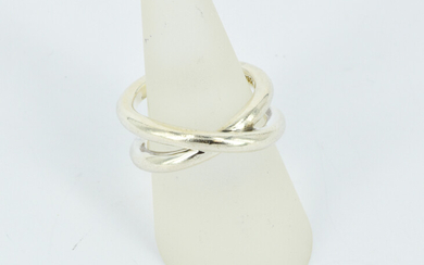 A TIFFANY & CO STERLING SILVER RING