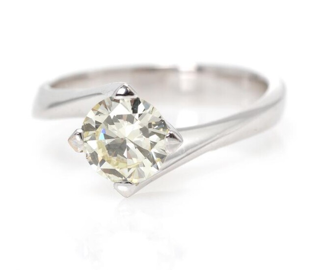A diamond solitaire ring set with a brilliant-cut diamond weighing app. 1.10 ct., mounted in 18k white gold. Light Yellow/VVS. Size 53. – Bruun Rasmussen Auctioneers of Fine Art