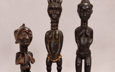 """BAULE, IVORY COAST, AFRICAN CARVED WOOD GROUP OF THREE STANDING FEMALE FIGURES H 9.5""""-14.75"""""""