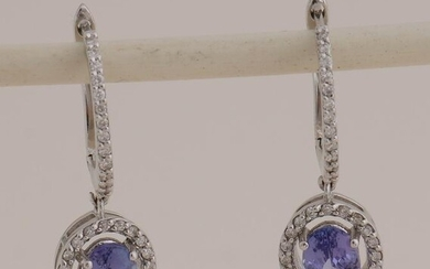 White gold earrings with tanzanite and diamond