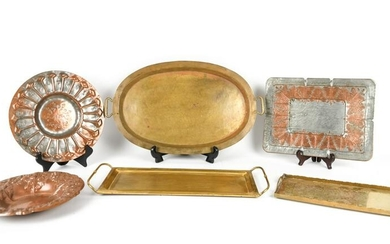 (6) VINTAGE BRASS AND COPPER TRAYS AND PLATES