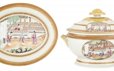 A Chinese Export Porcelain Covered Soup Tureen and Stand