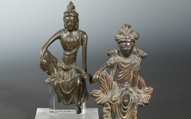 A Chinese bronze figure of Guanyin in seated pose, 15cm, another, 12.5cm, in Song Dynasty style (2)