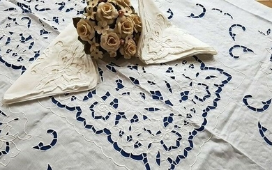 Spectacular !! pure linen tablecloth x 12 with hand embroidery - 270 x 175 cm - Linen