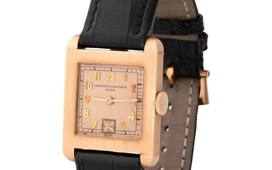 Vacheron Constantin. Elegant and Rare Art Deco Square Shape Wristwatch in Pink Gold, With Salmon Dial