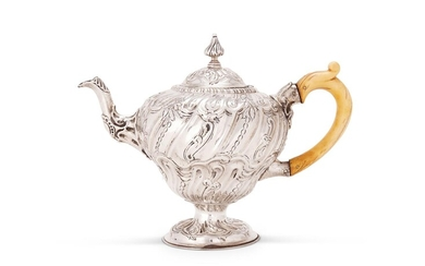Y A VICTORIAN SILVER OGEE TEA POT, HENRY STRATFORD, SHEFFIELD 1886
