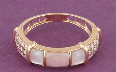 14 K Rose Gold Diamond & Mother of Pearl Ring