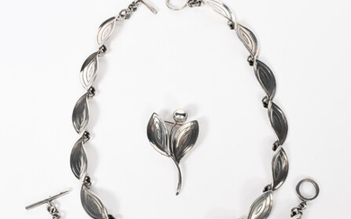 An Aarre and Krogh Danish silver necklace