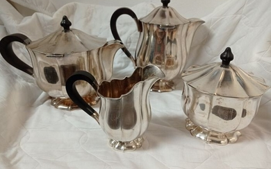 Coffee and tea service (4) - .800 silver - northern Europe - 900 years