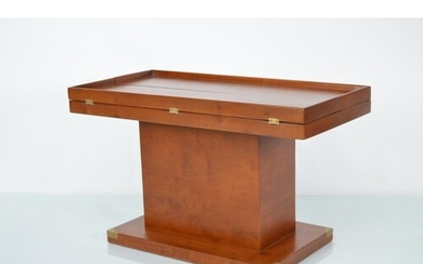 Mahogany lift top coffee table with storage compartment in t...