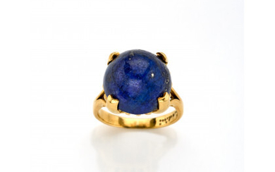 ORLANDINI Yellow gold ring with round cabochon lapis lazuli of mm 14.84x10.17 circa, g 11.13 circa size 15.5/55.5. Signed Orlandini.…Read more