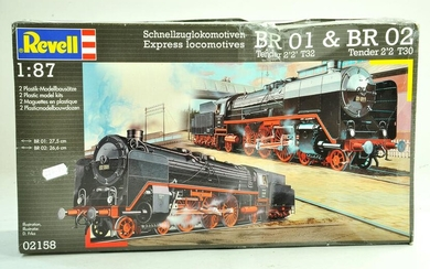 Revell plastic model kit comprising 1/87 BR01 and BR02