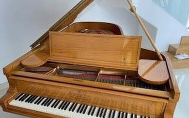 Steinway (c1907) A 6ft 11in 3 pedal Model B grand piano in a...