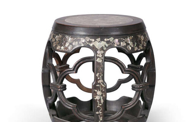§A MARBLE-INSET MOTHER-OF-PEARL-INLAID BARREL-FORM STOOL, GUDUN China, Qing...
