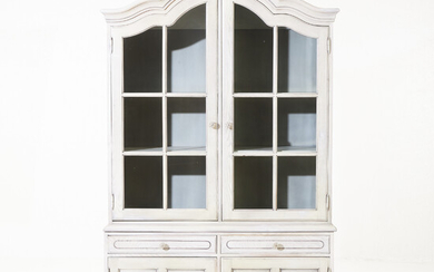 DISPLAY CABINET, rococo style, second half of the 20th century, painted, upper part with glazed doors.