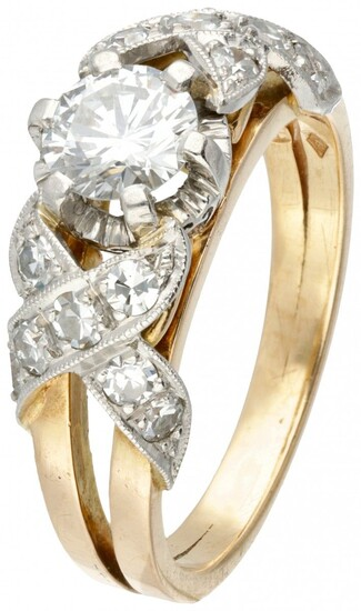 18K. Bicolor gold Art Deco ring set with approx. 0.84 ct. diamond.