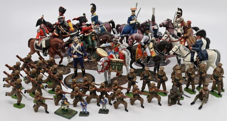 A collection of lead toys to include World War One