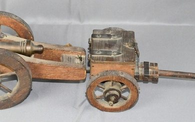 Cannon-Model with limber and amunition case with 7 little and 12 big Metallbullets, bronzepipe with