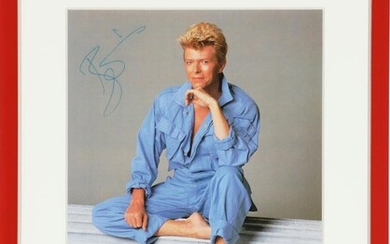 David Bailey: A signed colour photograph (magazine page) of the English musician and actor David Bowie. – Bruun Rasmussen Auctioneers of Fine Art