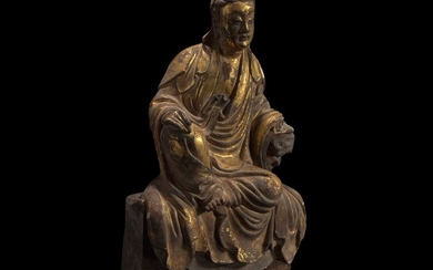 A Chinese gilt-lacquered stucco figurine of Guanyin 泥塑鎏金观音 18th century or earlier 十八世纪或更早