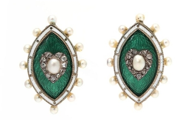 A pair of enamel and diamond ear screws each set with green and white enamel and numerous cultured pearls and rose-cut diamonds, mounted in 14k gold. L. 2.5 cm. – Bruun Rasmussen Auctioneers of Fine Art