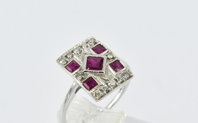 AN ART DECO STYLE RING