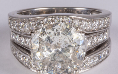 An 18kt White Gold and 4.63ct Diamond Engagement Ring