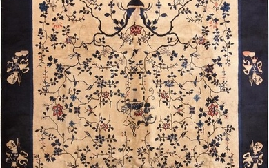 ANTIQUE CHINESE CARPET. 11 ft 6 in x 9 ft 2 in (3.50 m x 2.79 m).