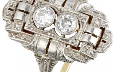 14K. Yellow gold and Pt 950 platinum openwork Art Deco ring set with approx. 0.26...