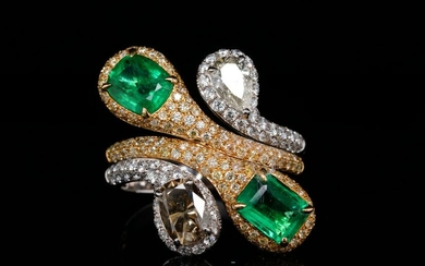 3.30ctw VS2-SI2 Diamond, 1.80ctw Emerald & 18K Ring