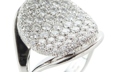 A DIAMOND DRESS RING IN 18CT WHITE GOLD, TOTAL DIAMOND WEIGHT 3CTS, SIZE N, 12.2GMS