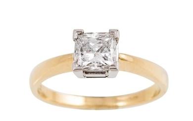 A DIAMOND SOLITAIRE RING, the princess cut diamond mounted i...