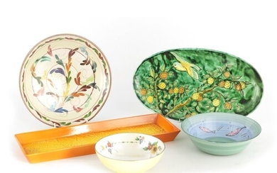 AN ASSORTMENT OF VARIOUS ITEMS including A SHELLEY MOTTLED Y...