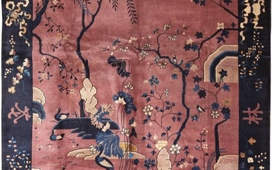 ANTIQUE CHINESE CARPET. 11 ft 6 in x 9 ft (3.50 m x 2.74 m).
