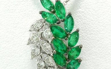 Smaragd-Diamant-Collier Lorbeerzweige NO RESERVE PRICE - 18 kt. White gold - Necklace, Necklace with pendant - 1.20 ct Emeralds - Diamonds