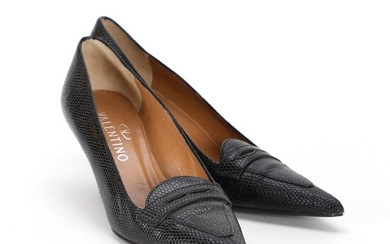 Valentino: A pair of stilettos made of black snakeskin and brown leather with pointed toes. Size 37. – Bruun Rasmussen Auctioneers of Fine Art