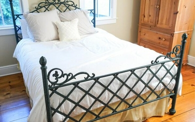 CONTEMPORARY METAL QUEEN SIZE BED FRAME