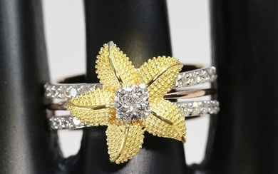 18 K Yellow Gold IGI Certified Designer Diamond Ring