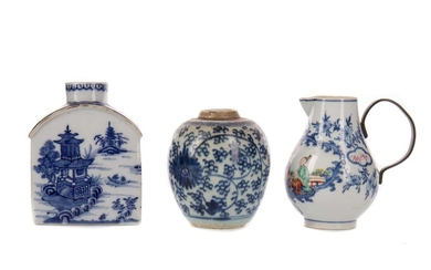 AN EARLY 19TH CENTURY CHINESE BLUE AND WHITE TEA CADDY AND OTHERS