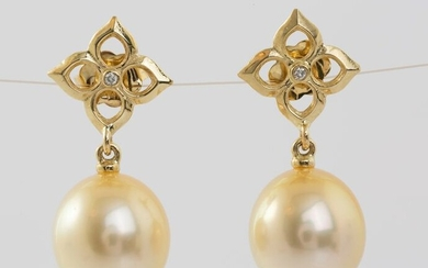 United Pearl -11x12mm Lustrous Golden South Sea Pearls - 14 kt. Yellow gold - Earrings - 0.02 ct