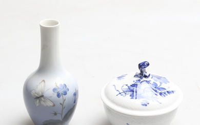 VASE AND SUGAR BOWL with cover, porcelain, Royal Danish, including Blue Flower, 20th century.