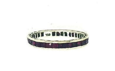 VINTAGE White Gold Ruby Band Ring CUTE