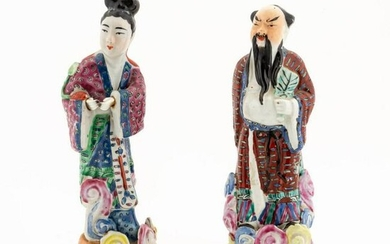 CHINESE PR, FAMILLE ROSE STANDING IMMORTAL FIGURES