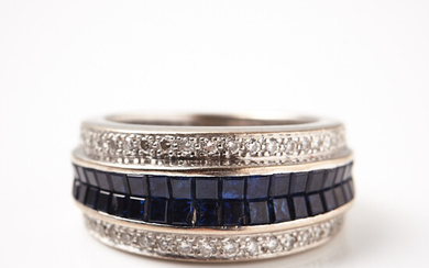 RING, 18 k rhodium-plated white gold, square-cut sapphires, 40 small diamonds.